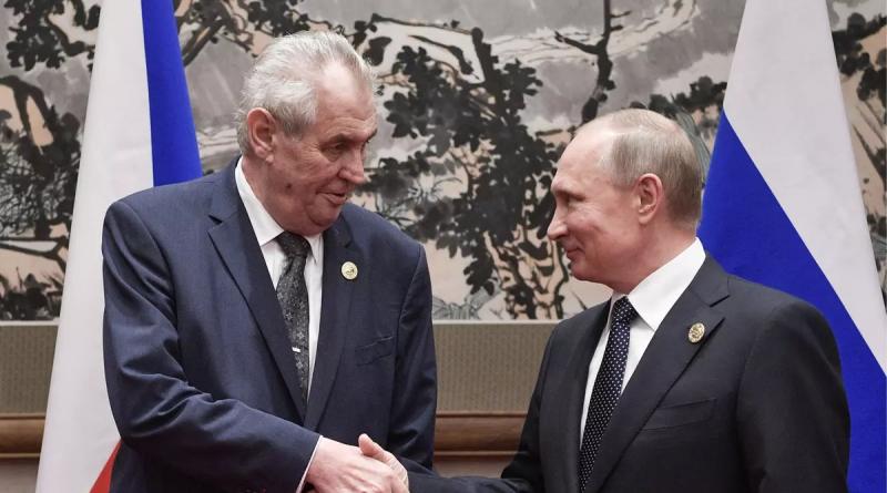 Prezident Zeman by se měl vyjádřit k situaci s Ruskem